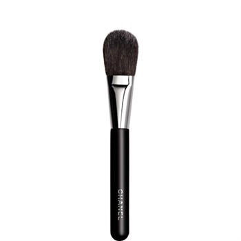 Chanel-Blush-Brush