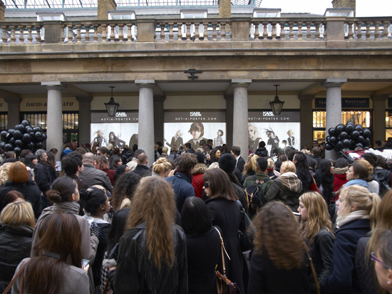 Karl-Netaporter-Paris-Crowd