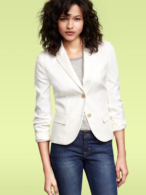 Gap-Shrunken-White-Blazer