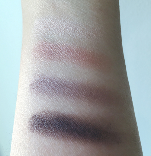 Clarins-Nude-Eyeshadow-Swatch