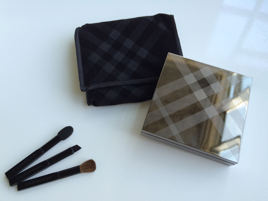 Burberry-Beauty-Eyeshadow-Case