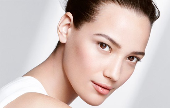 Clarins-Shaping-Facial-Lift-Model