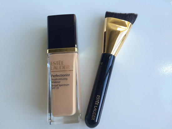 Estee-Lauder-Perfectionist-Foundation-Brush
