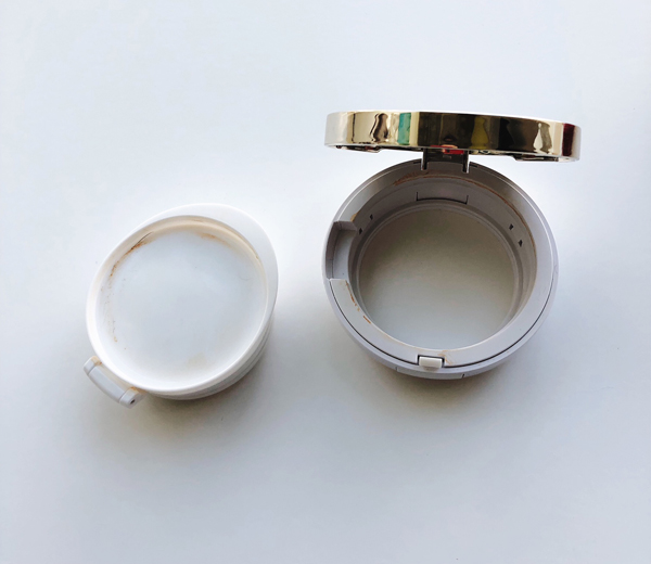 Clarins-Compact-Refill-Out