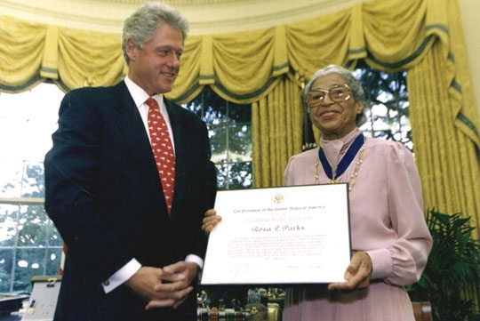 Rosa-parks-bill-clinton