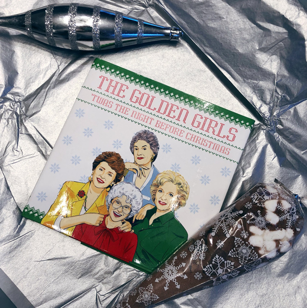 Goldengirls-xmasbook-cover