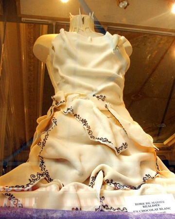 Chocolateweddingdress.1-1