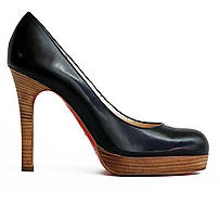 Christian Louboutin Bruges Pumps In Black